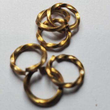 Bronze: Twisted Square